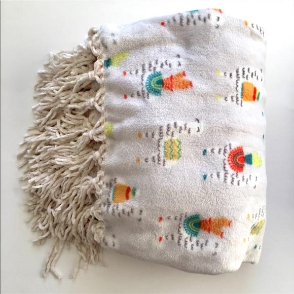 Other Plush Llama Throw Blanket Poshmark Gorgeous Llama Throw Blanket